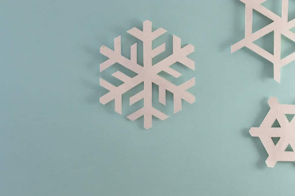 homeschool paper snowflakes for winter activity